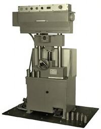 Abroll - Prägemaschine zum Prägen von Rohrbögen, T-Stücken und ähnlichen Teilen