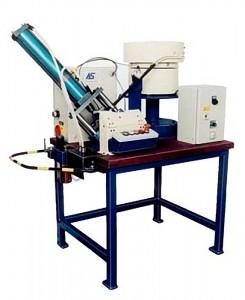 Mit dieser Stempelmaschine lassen sich Bits in sehr hoher Geschwindigkeit prägen