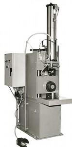 Rohrkennzeichnungsmaschine zur fortlaufenden Kennzeichnung von Ölfeldrohren und Brammen