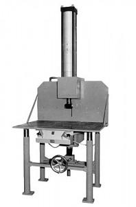 Tisch - Stempelmaschine mit langem Druckzylinderhub, vielfältig einsetzbar