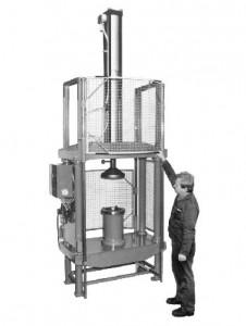 Stempelmaschine zur Kennzeichnung von Felgen, mit Störkantenüberbrückung